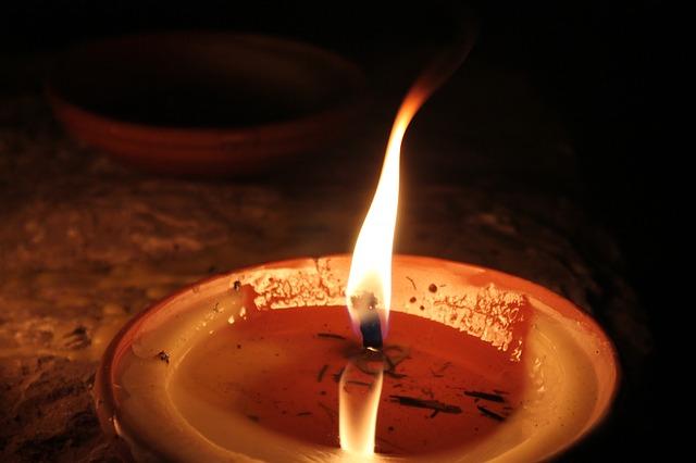 candle-97505_640.jpg